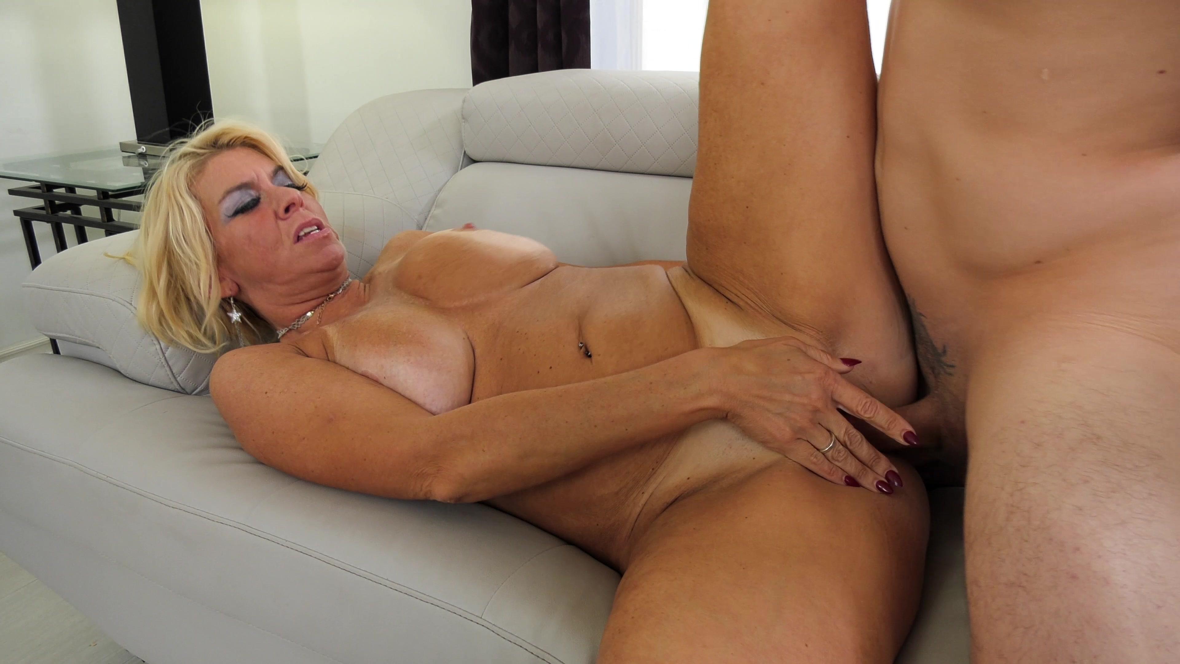 Порно Ролики Большая Зрелая Женщина