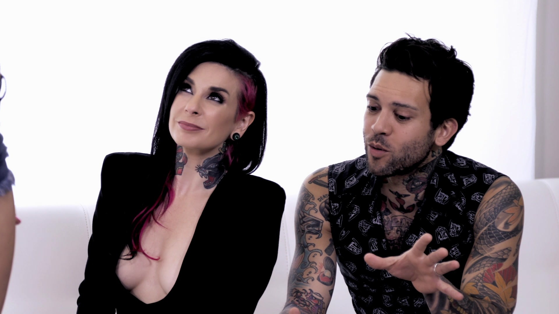 Scene with Joanna Angel, Mia Malkova and Small Hands - image 3 out of 20