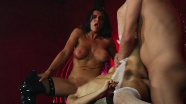 Scene with Xander Corvus, Riley Reid and Romi Rain - image 14 out of 20