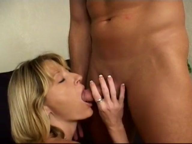Milf anal masterbation