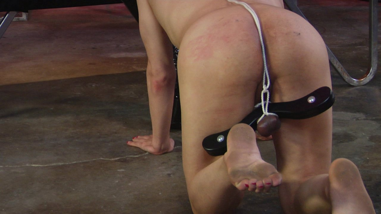 Scene with Cybill Troy and Tener Duende - image 7 out of 20