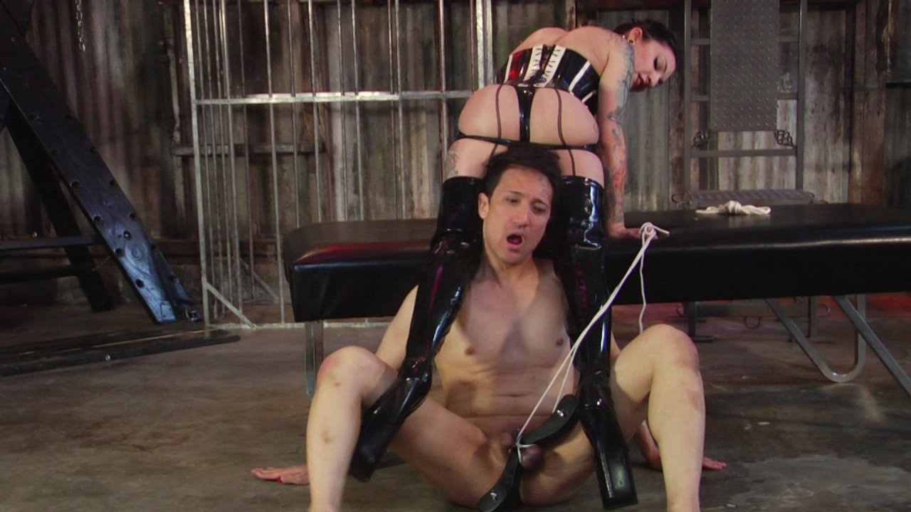 Scene with Cybill Troy and Tener Duende - image 11 out of 20