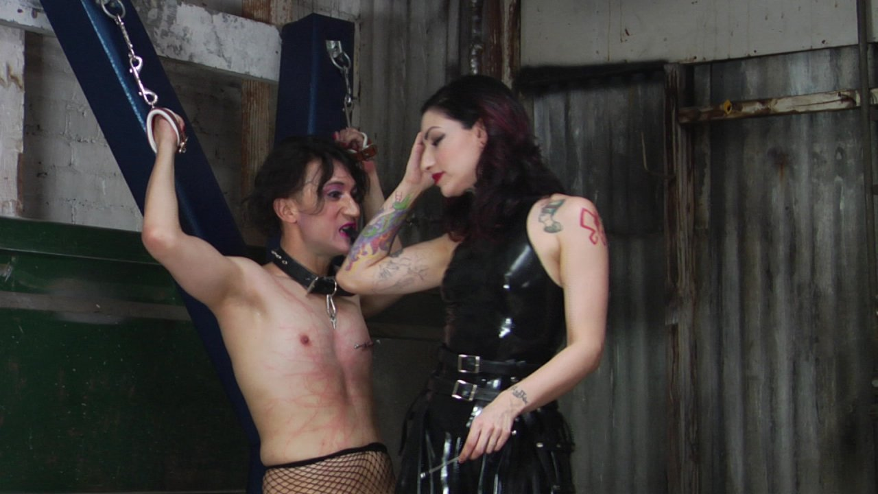 Scene with Cybill Troy and Tener Duende - image 10 out of 20