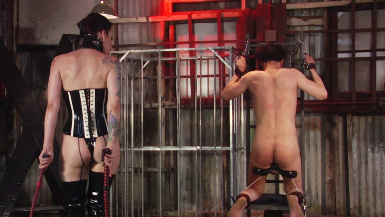 Scene with Cybill Troy - image 2 out of 13