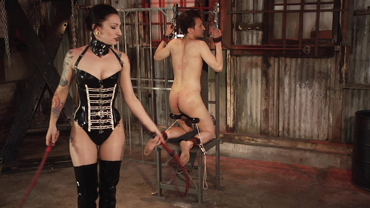 Scene with Cybill Troy - image 5 out of 13