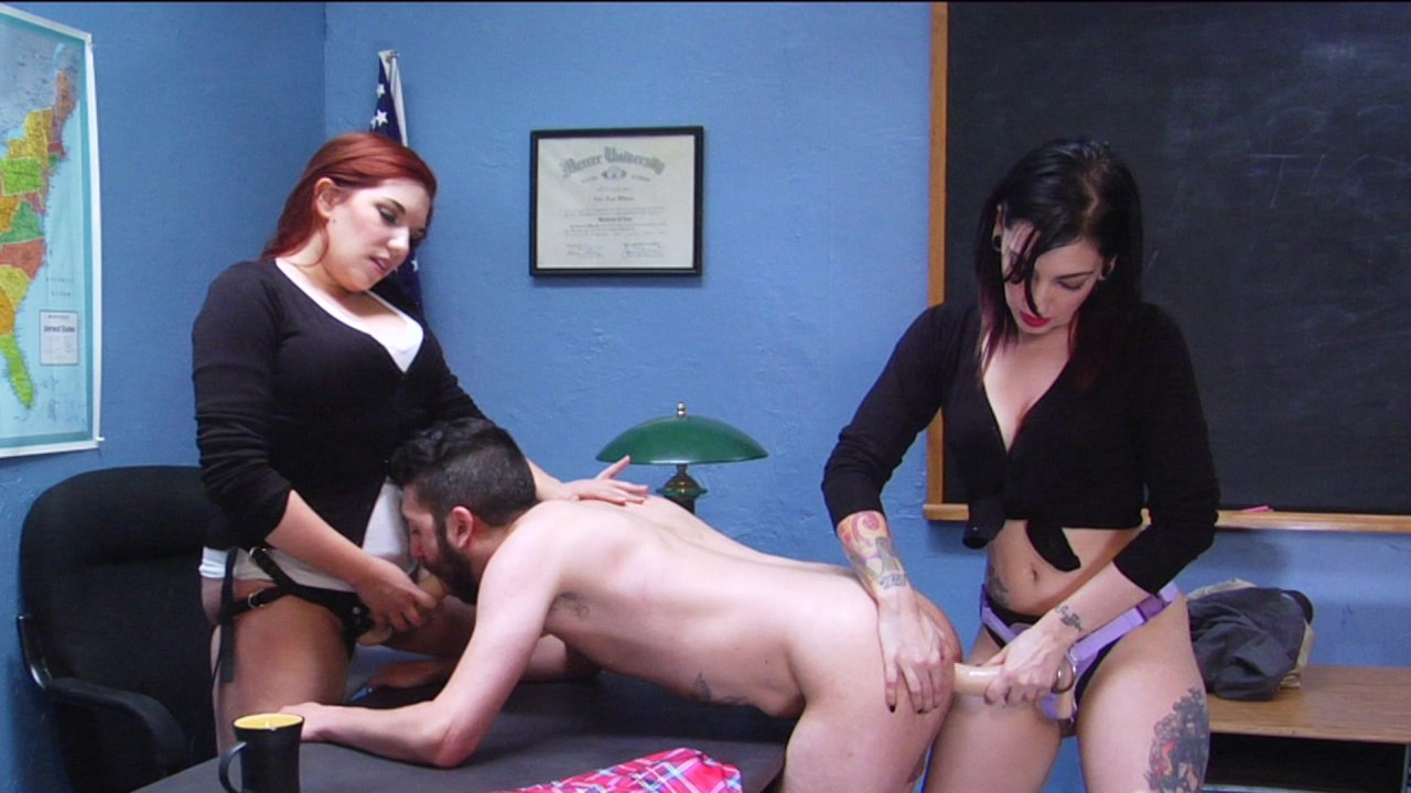 Scene with Cybill Troy - image 17 out of 20