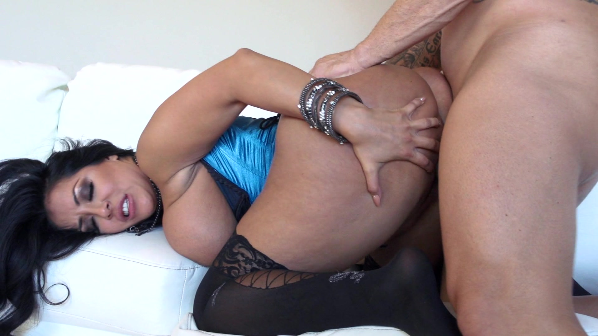 Порно 365 Киара Миа