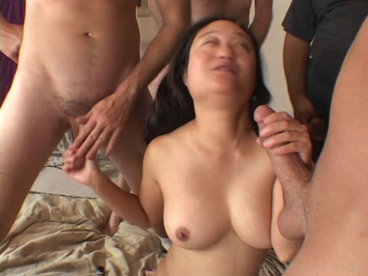 Japanese mom gangbang