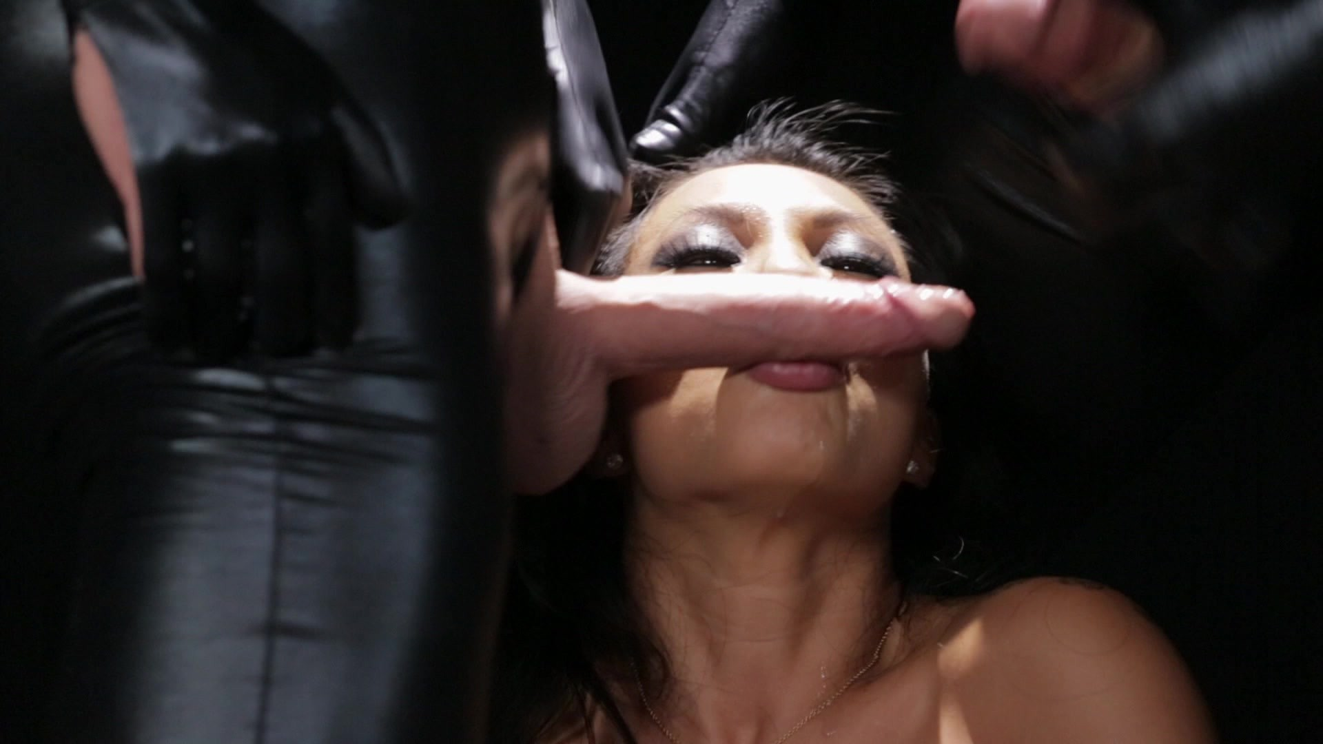 Scene with Asa Akira - image 14 out of 20