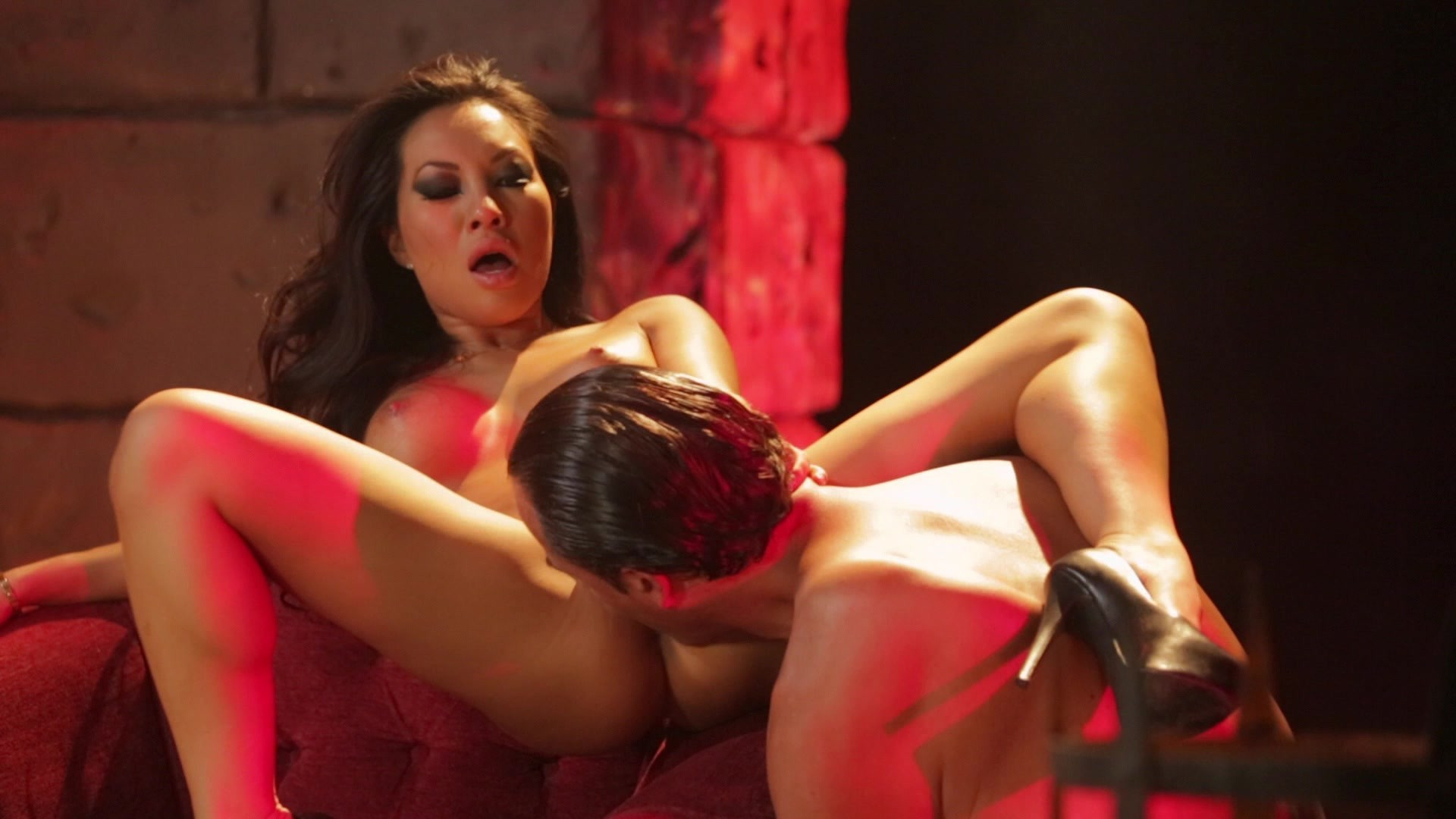 Scene with Asa Akira - image 8 out of 20