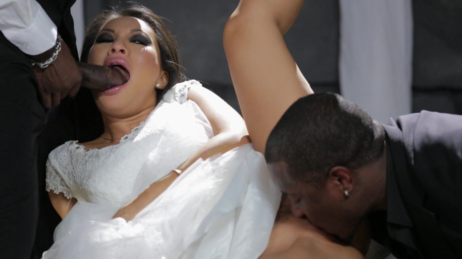 Scene with Asa Akira, Rob Piper XXX and Moe Johnson - image 5 out of 20