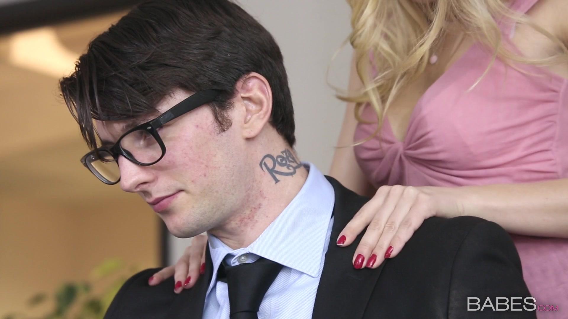 Принуждает к сексу секретаршу, Порно Секретарша -видео. Смотреть порно онлайн! 4 фотография