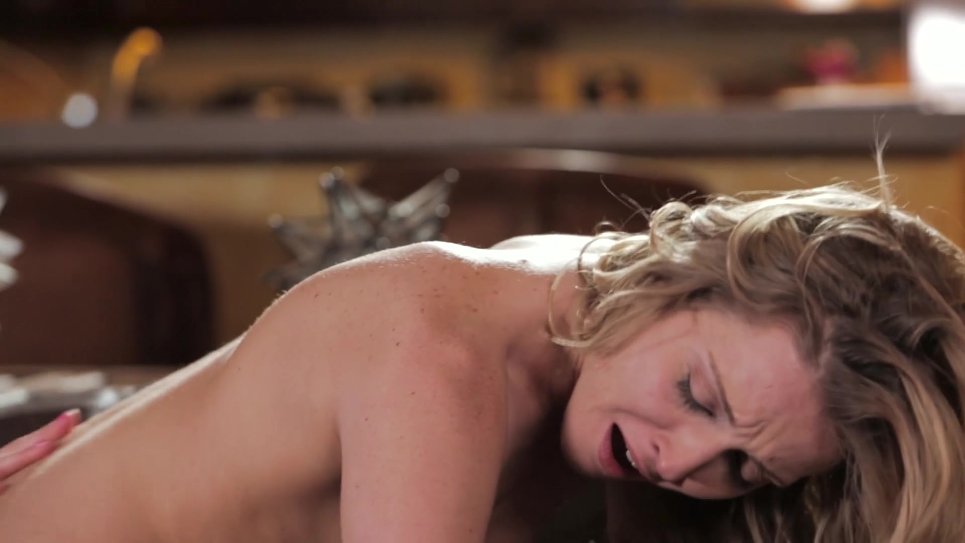 Scene with Riley Reid and Karla Kush - image 8 out of 20