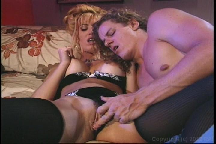 Couple Enjoys a Romantic Sex in Indoor Starring: Alex Sanders Sid Deuce Length: 19 min