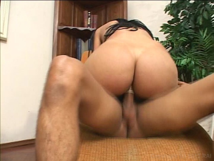 Hot and sexy shemale live on cam