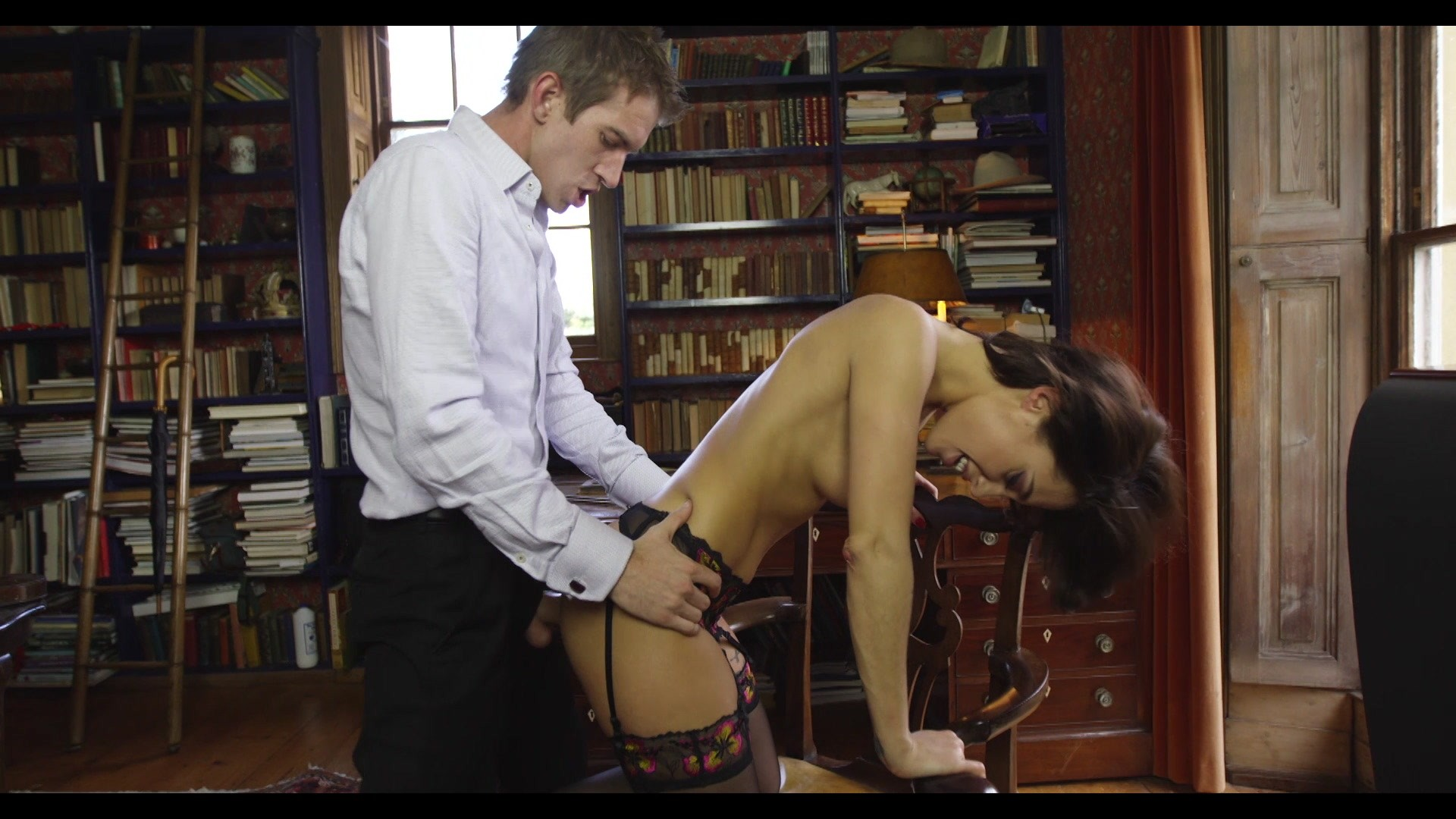 Scene with Nikita Belluci - image 15 out of 20
