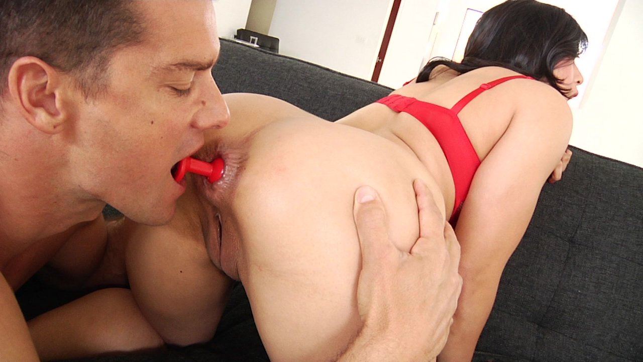 Scene with Mia Li - image 3 out of 20