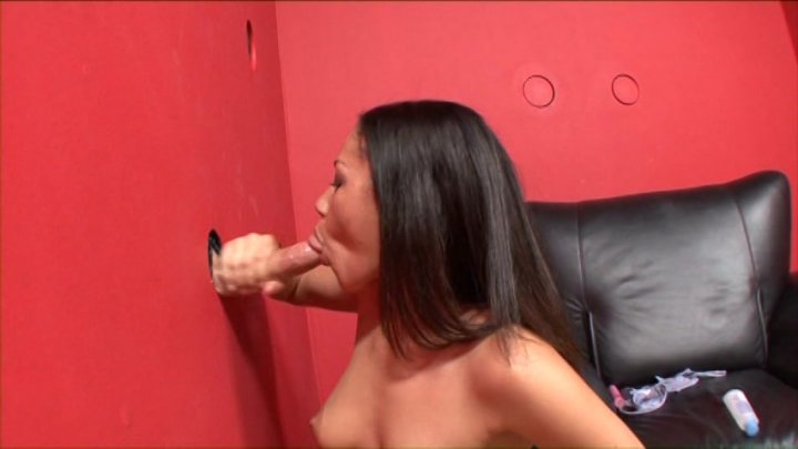 Daugther gives father hand job