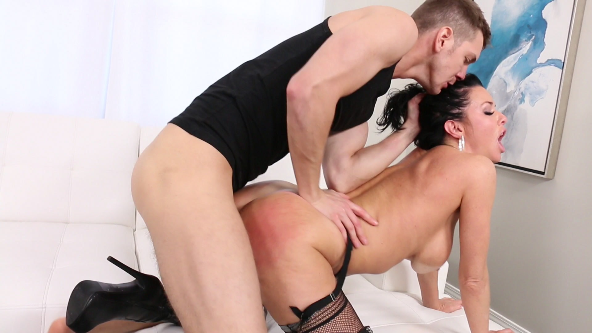 Scene with Veronica Avluv - image 11 out of 20