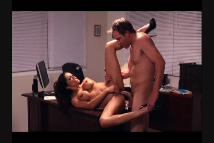 instinkt-porno-parodiya