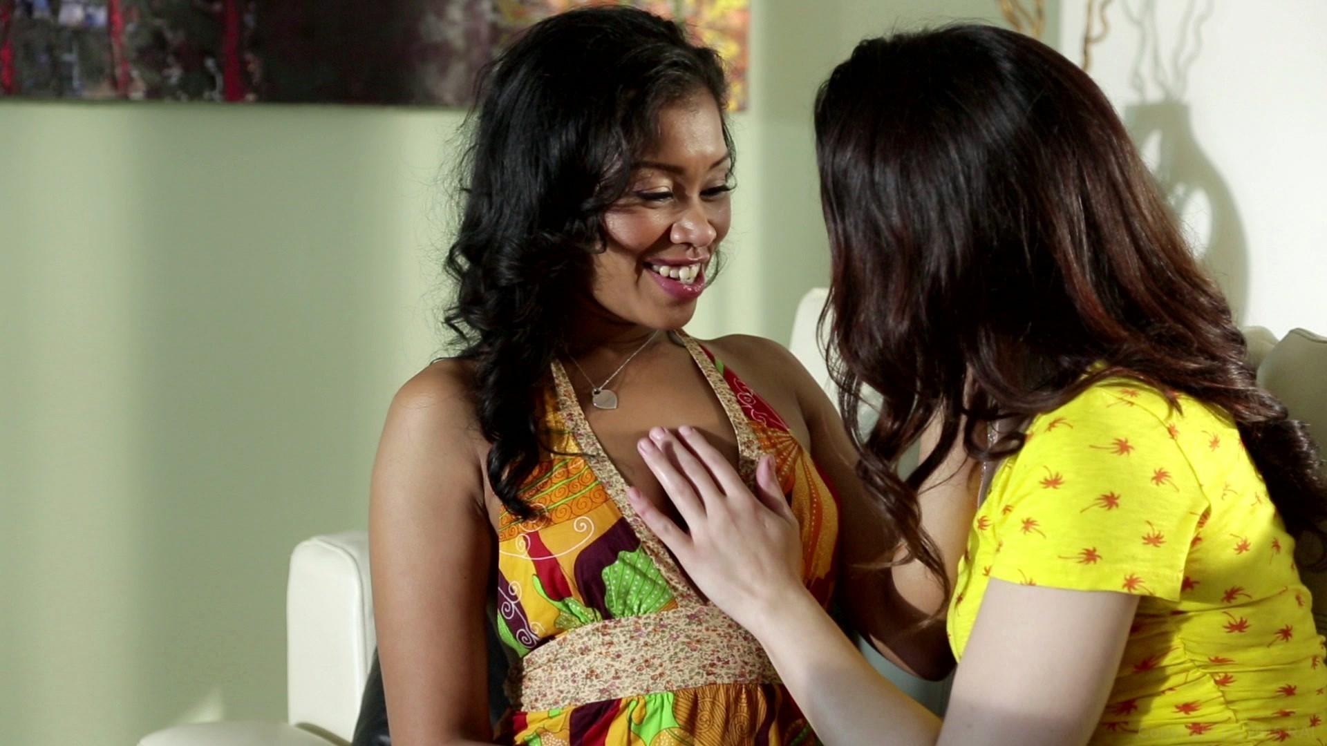 Lesbian Beauties Interracial 69
