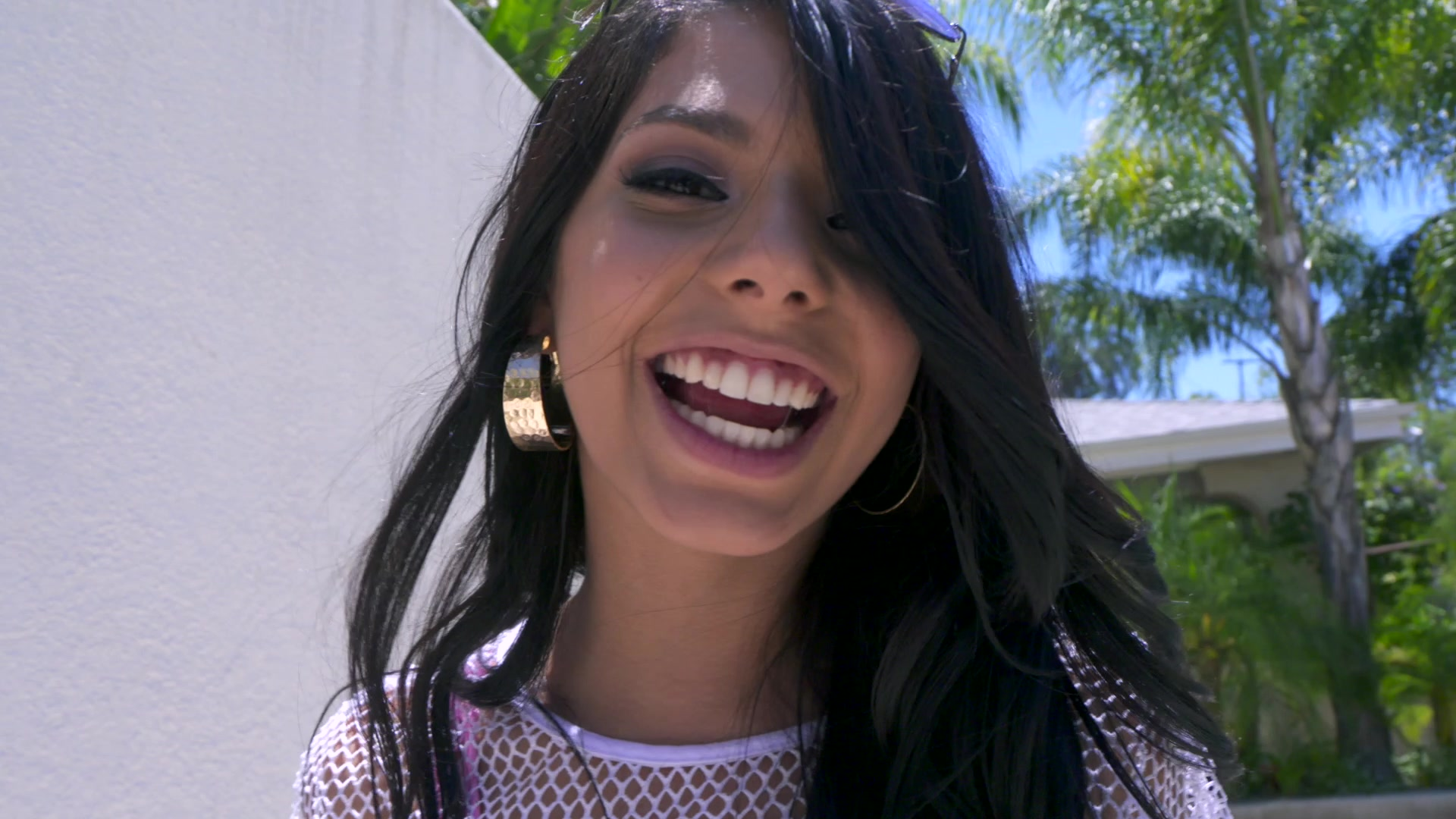 Scene with Gina Valentina - image 4 out of 20