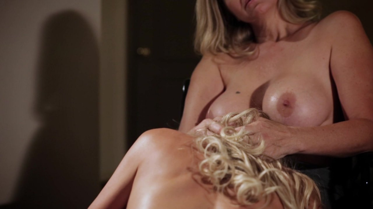 Scene with Julia Ann and Brandi Love - image 7 out of 20