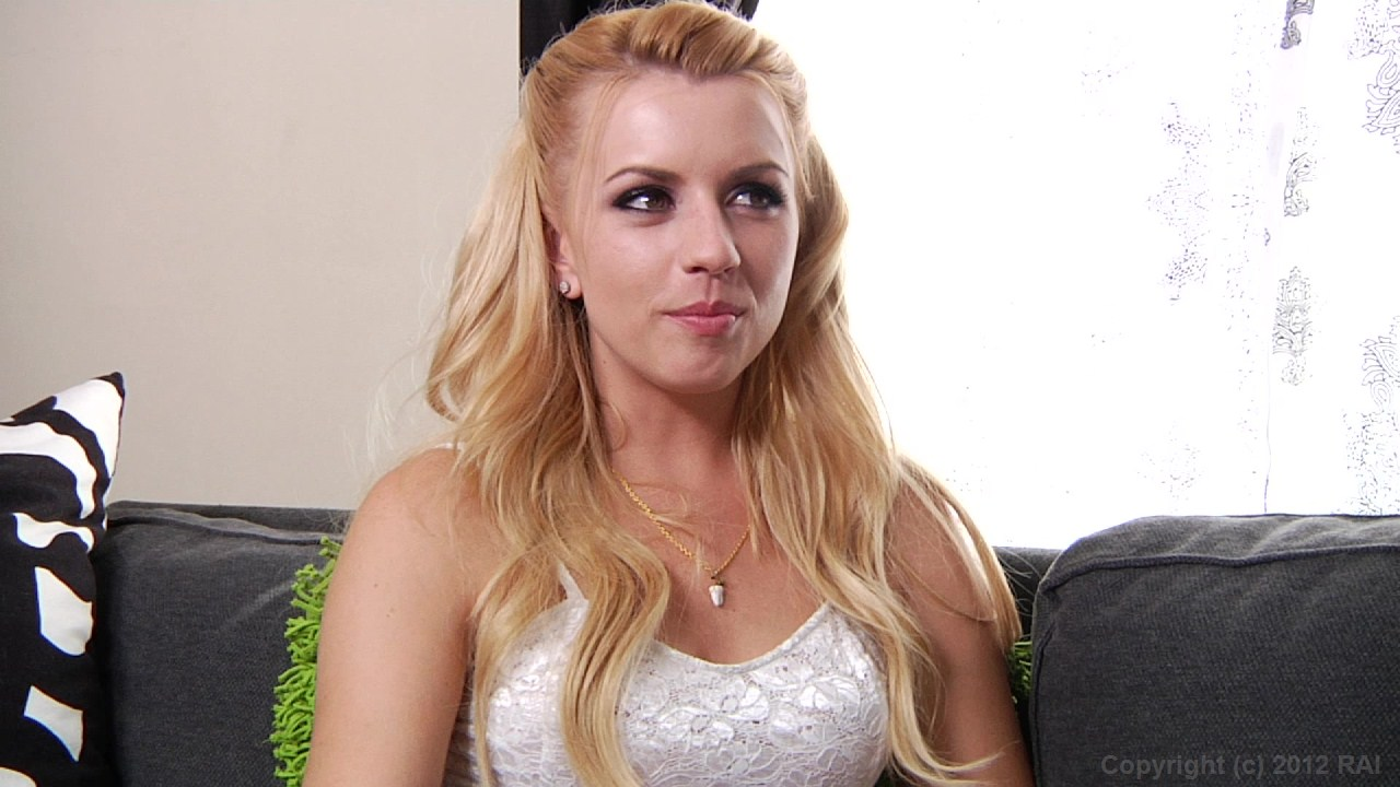 Scene with Mick Blue and Lexi Belle - image 2 out of 20