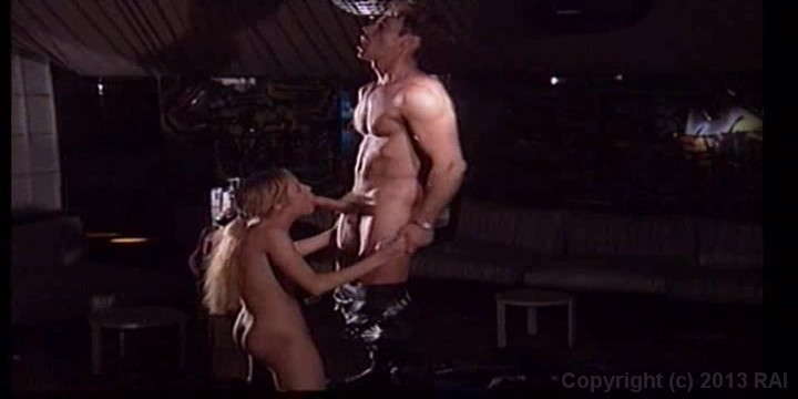Scene with Rocco Siffredi - image 12 out of 20