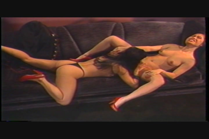 2 girls masturbate webcam