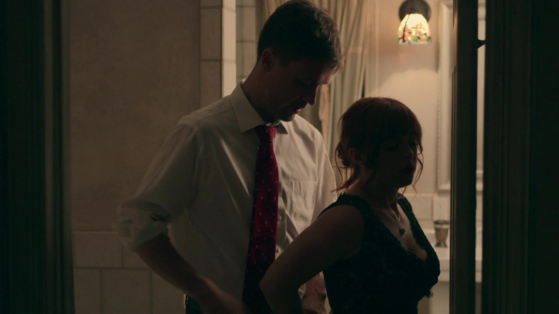 Scene with Richie Calhoun and Samantha Hayes - image 4 out of 20