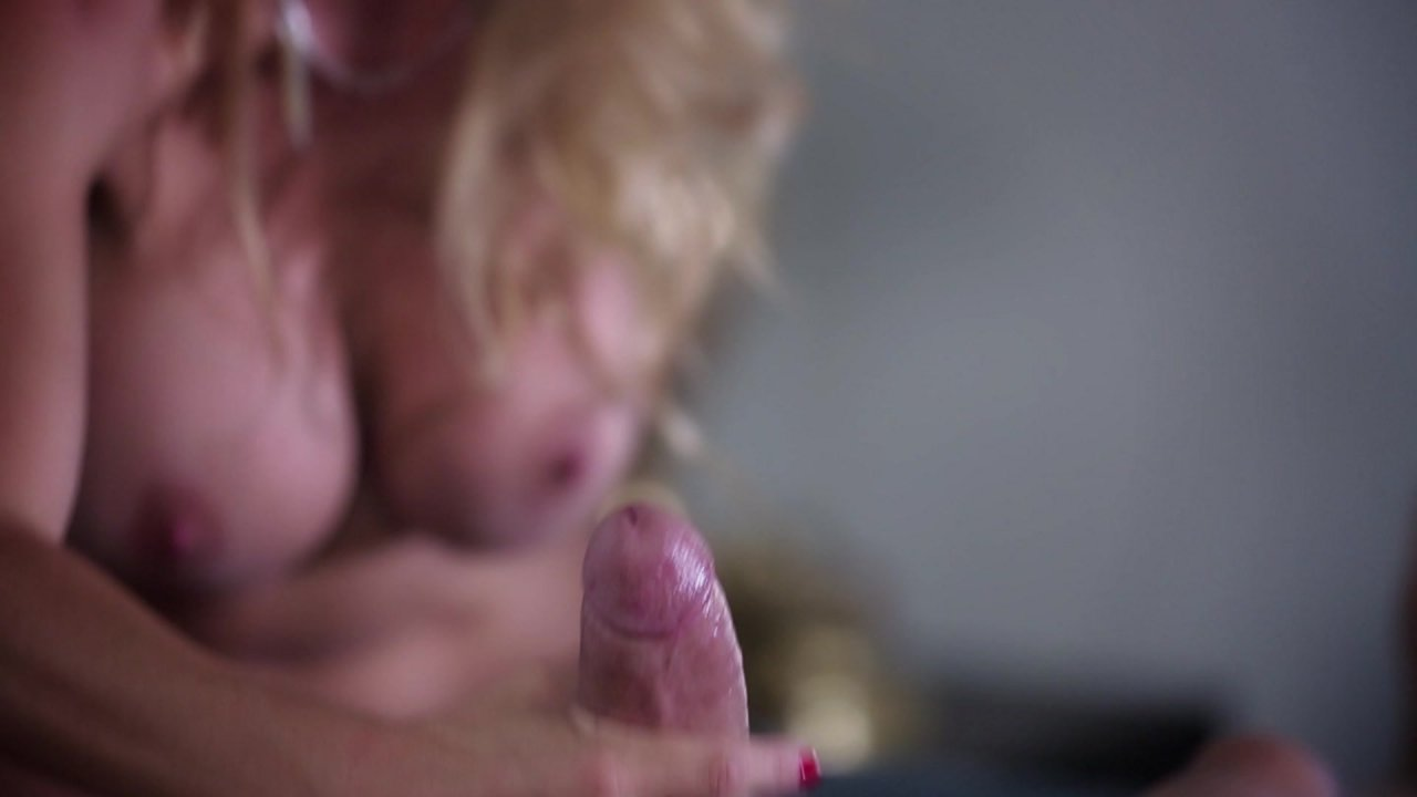 Scene with Xander Corvus and Alexis Fawx - image 16 out of 20