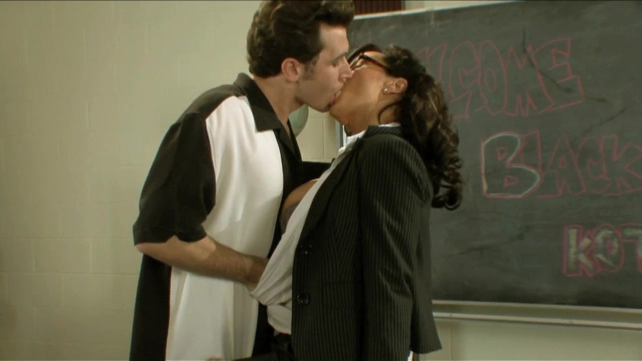 Scene with Lisa Ann and James Deen - image 1 out of 20