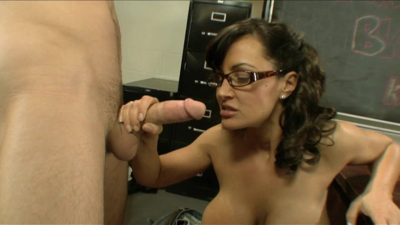 Scene with Lisa Ann and James Deen - image 9 out of 20