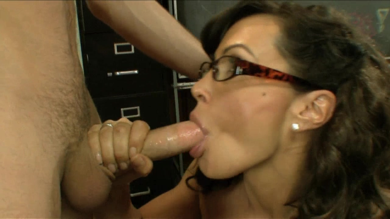 Scene with Lisa Ann and James Deen - image 11 out of 20