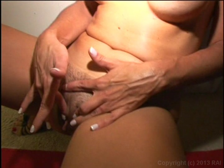 Mature women with large clits