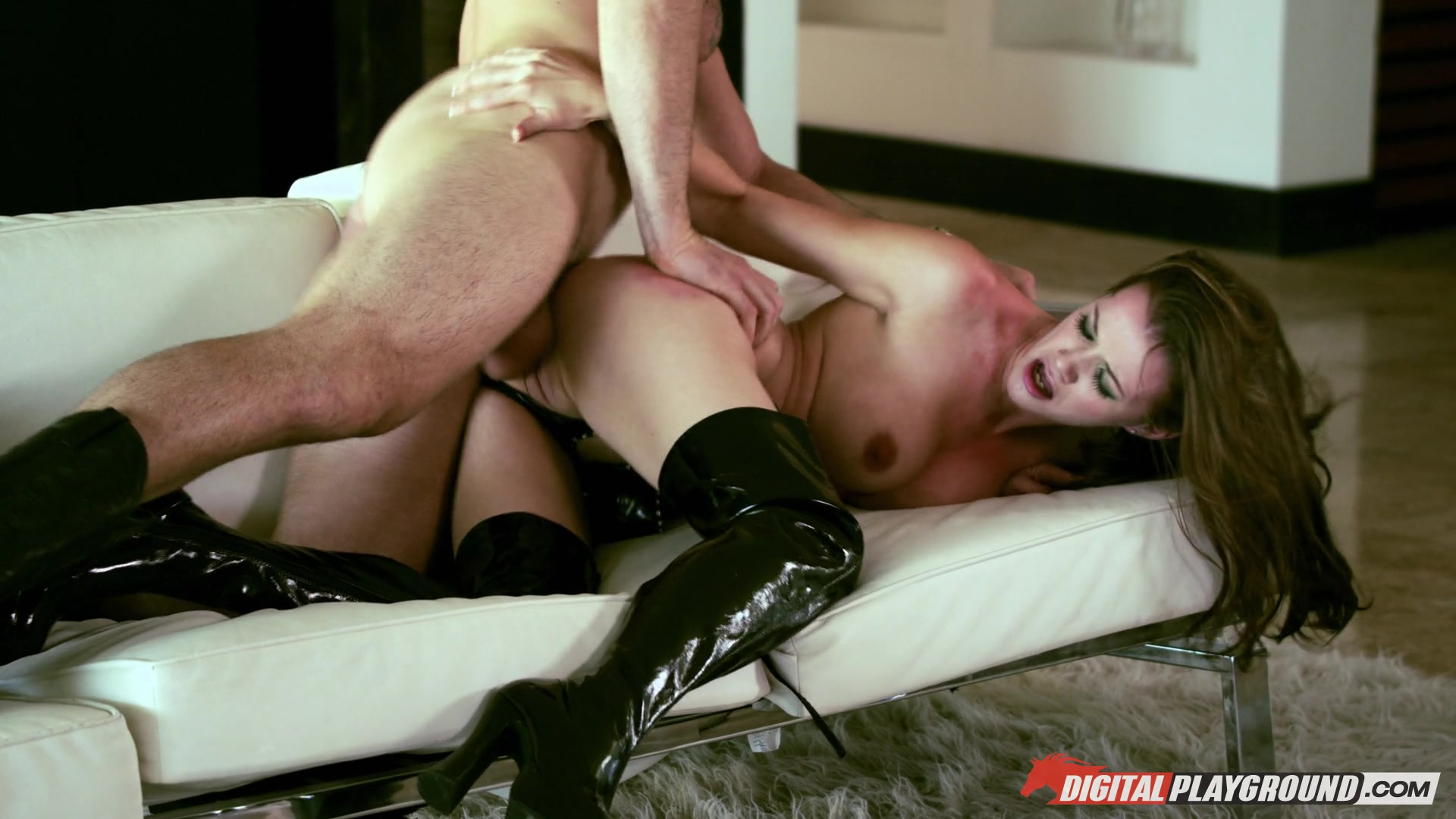 Raven Alexis And Bobbi Star Grind Wet Pussies