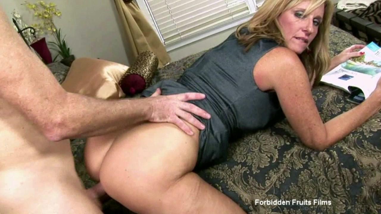 naked hot boob