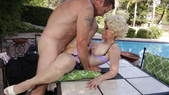 Golden girls xxx cougars vow to bea all they can bea uncomfortably close with gram ponante