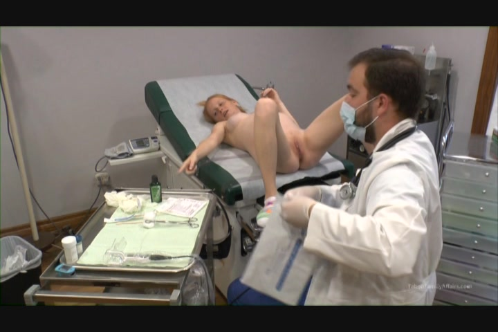 Pregnant alyssa hart enjoys her dildo 9