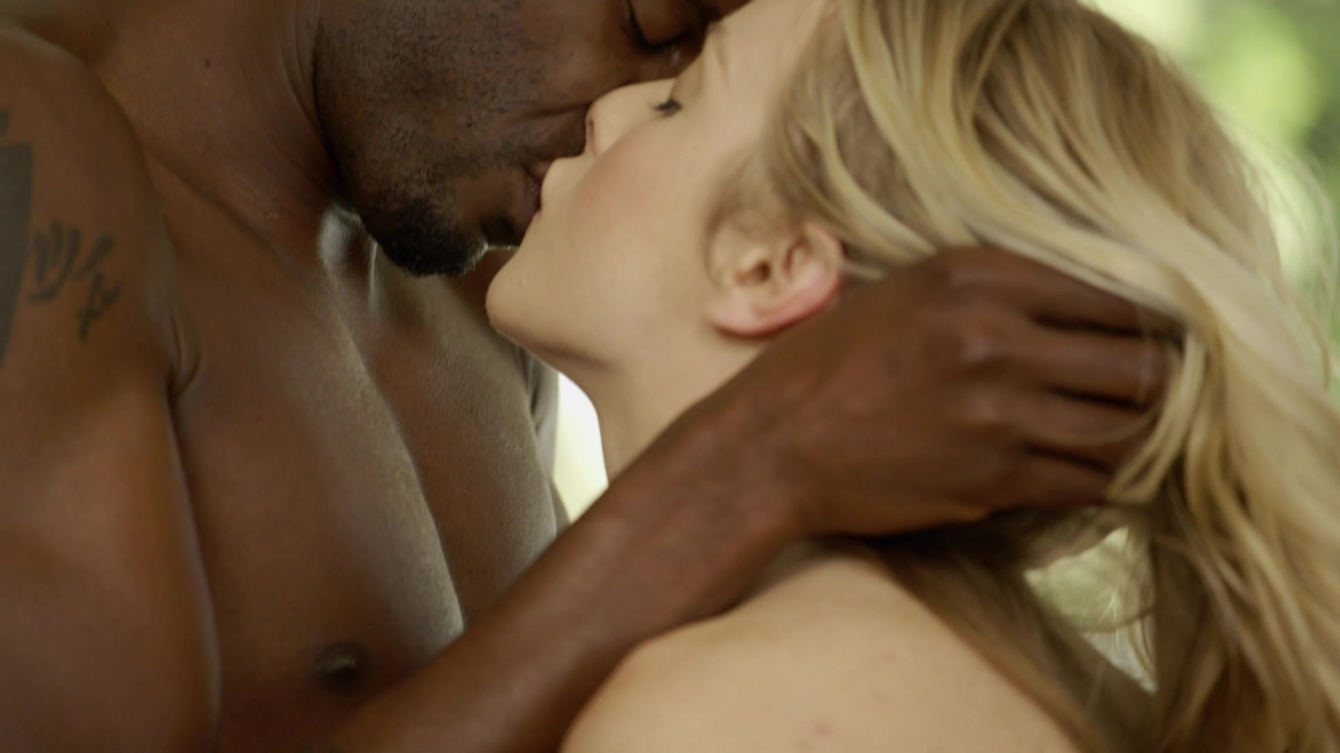 Free online videos interracial kissing #1