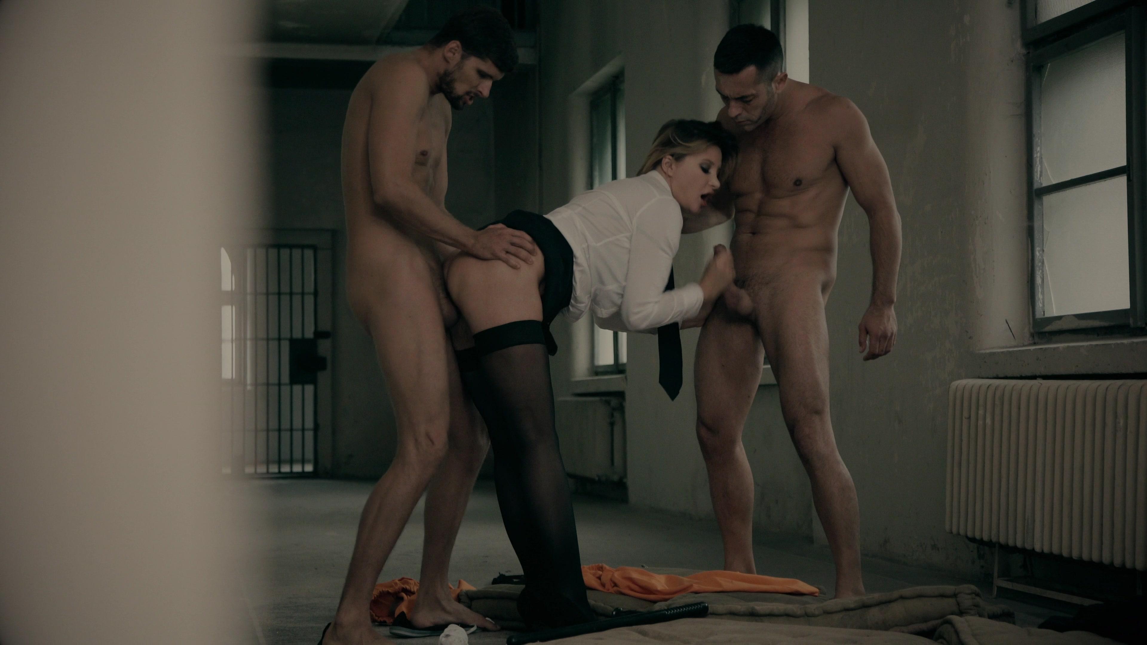 starie-porno-filmi-v-tyurme-foto-hudenkih-smuglih-devushek