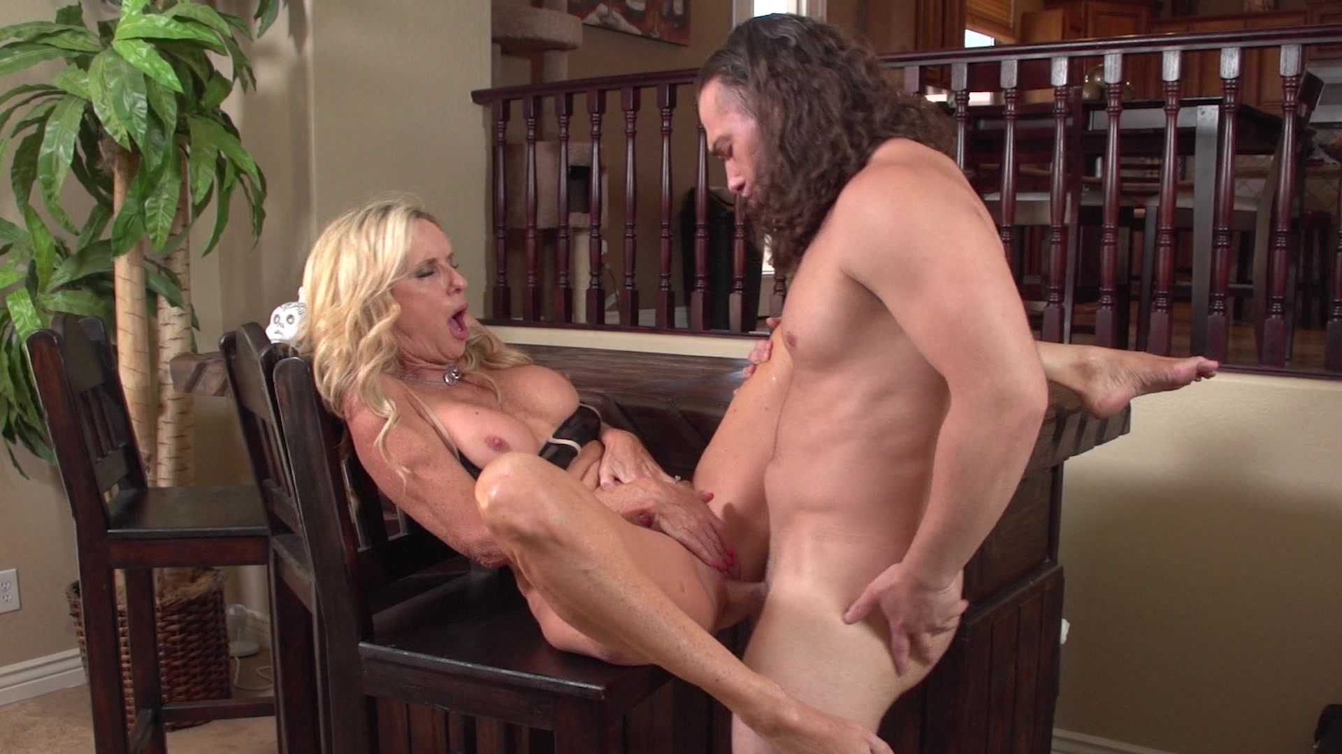 Son fucks not his mom while his father not at home - 3 part 5