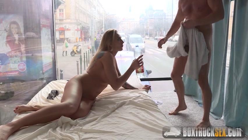 sex in street