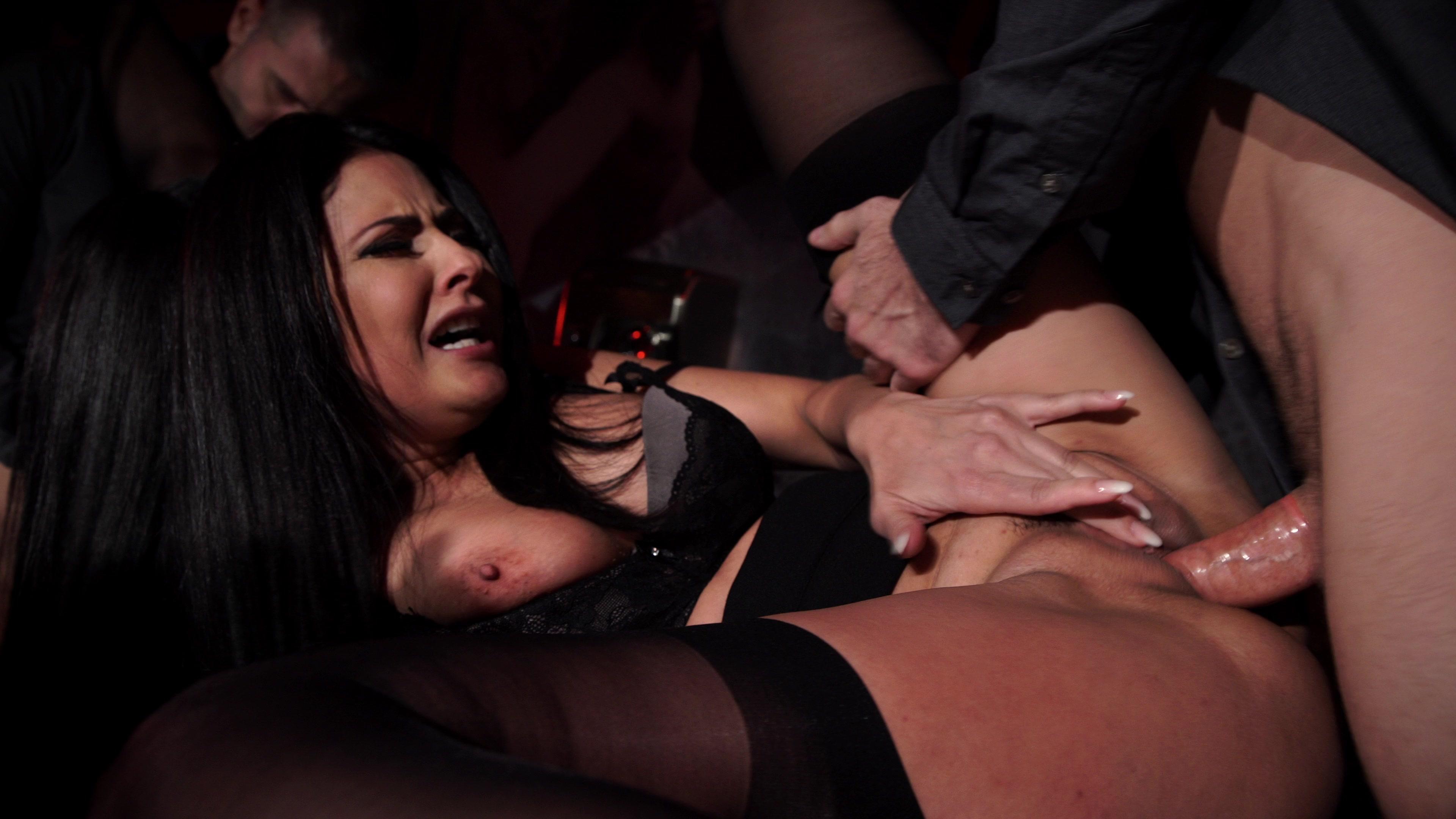моим спасителем дорсель клуб порно красивая брюнетка делает минет любит