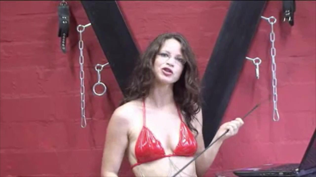 Annika Bond macht Selbstfick bei Venus