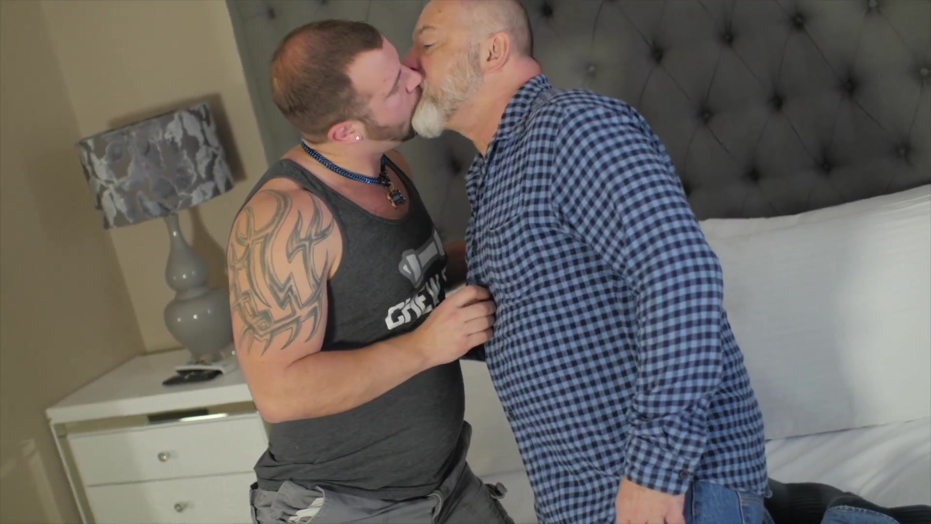 videos porno gay ricky s