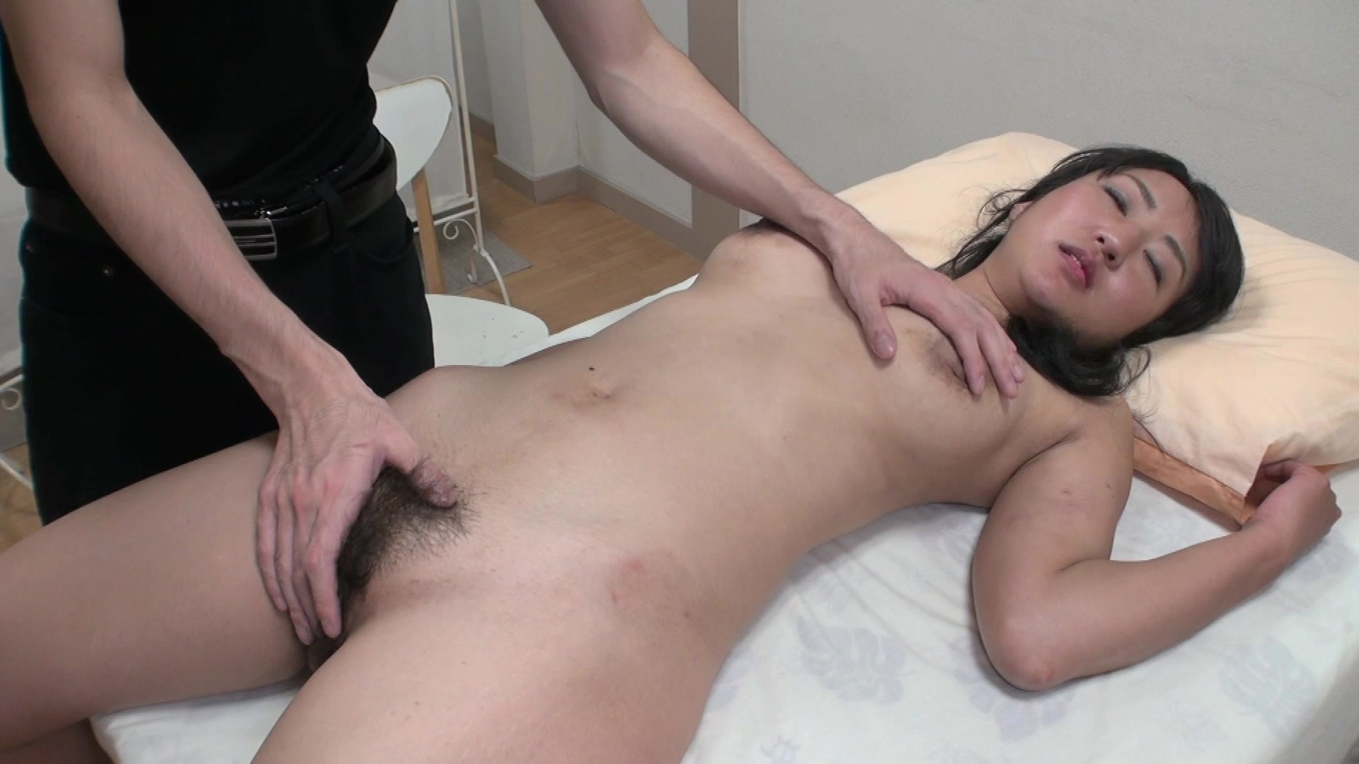 Busty Japanese Milf Gets Hairy Pussy Licked Before -6767