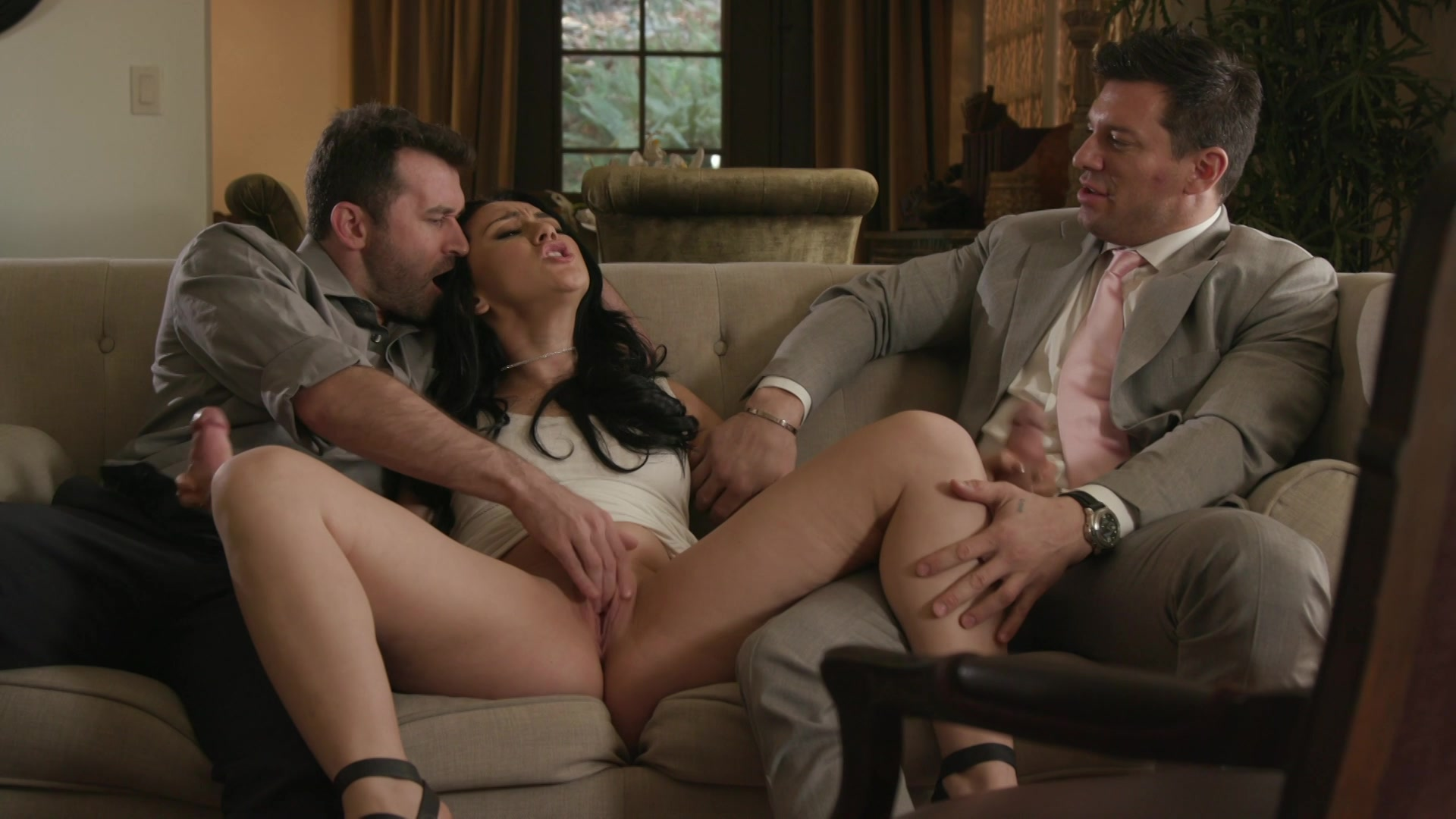 Порно сцены из фильмов жену при муже