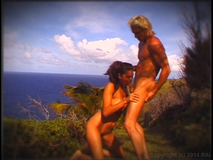 tera-patrick-island-fever-topless